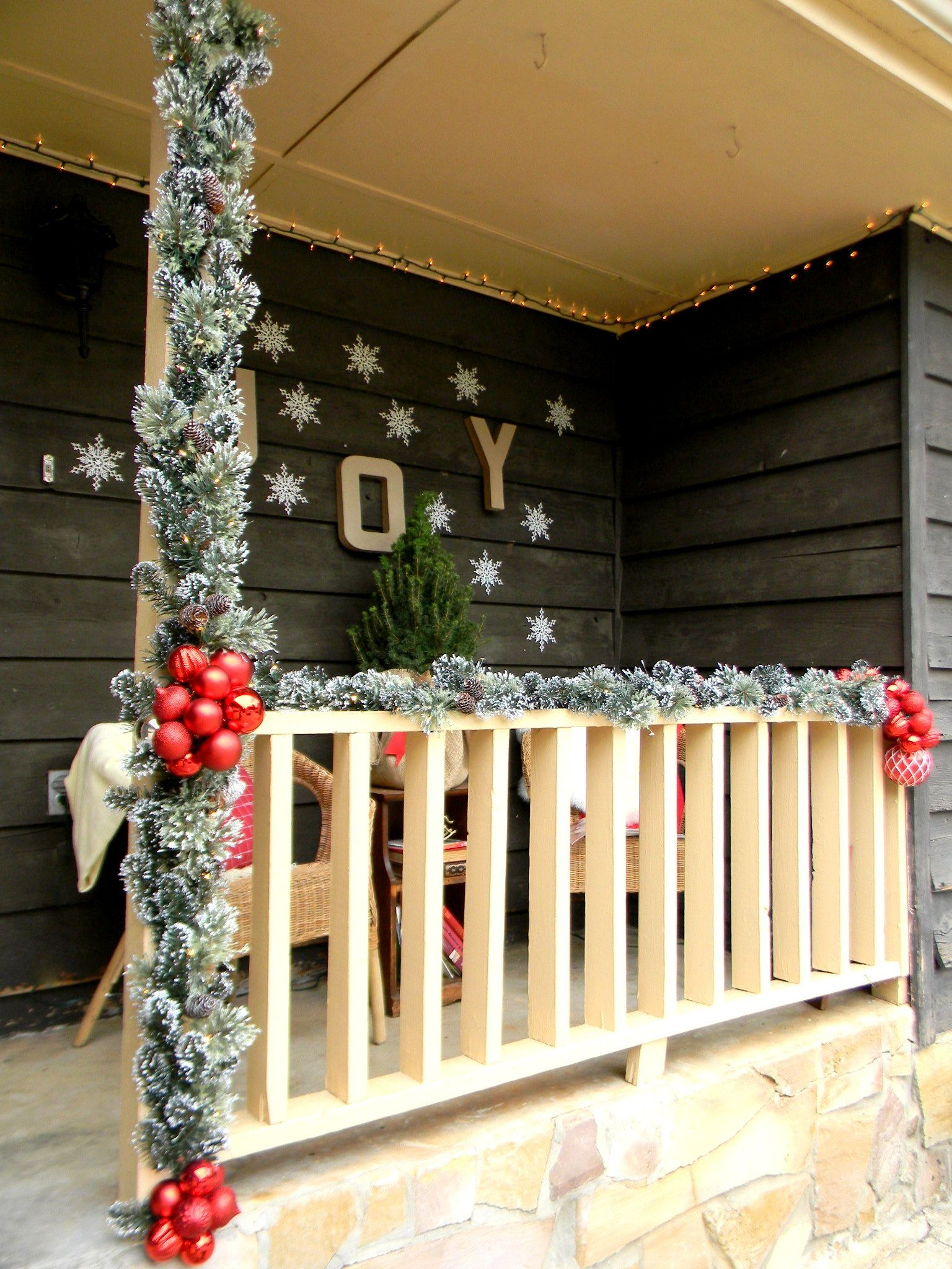 front porch christmas decorating ideas country christmas pertaining to sizing 1536 x 2048