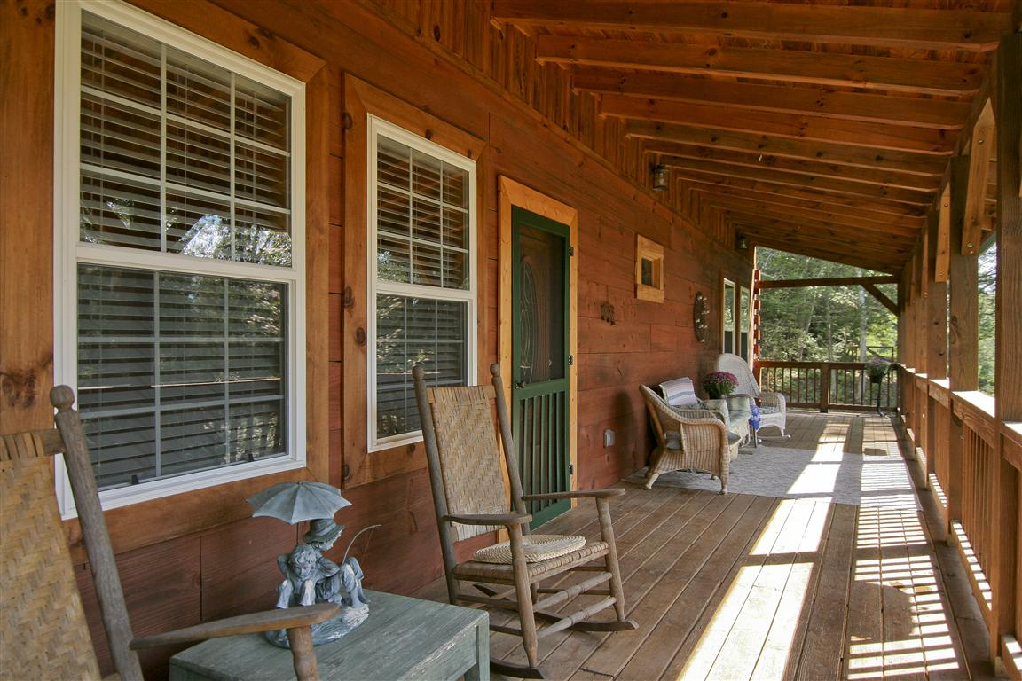 Log Cabin Front Porch Decorating Ideas